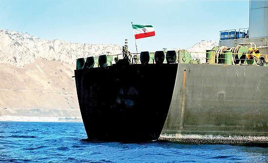 آمریکا فهرست تحریم های جدیدی علیه نفتکش های ایرانی گفت