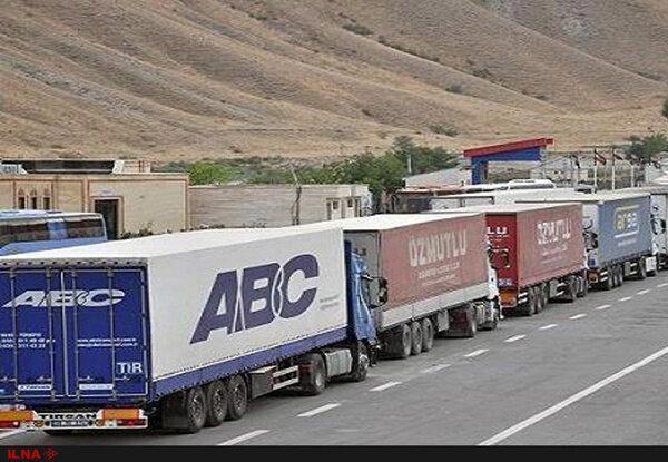 توقف 1000 کانتینر بار پشت مرز میلک افغانستان