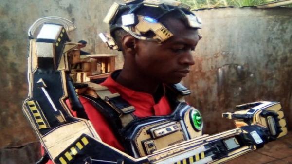 2 مخترع کنیایی بازوی رباتیک قابل کنترل با ذهن ساختند
